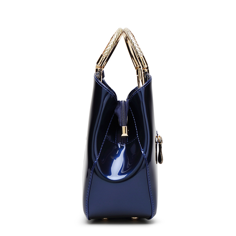 The Circle Bag-Clutch-Leather-HandBag-Crossbody-Leather-Bags-for-Women-Shoulder-bag-leather-with-circle-handle-zipper (14)