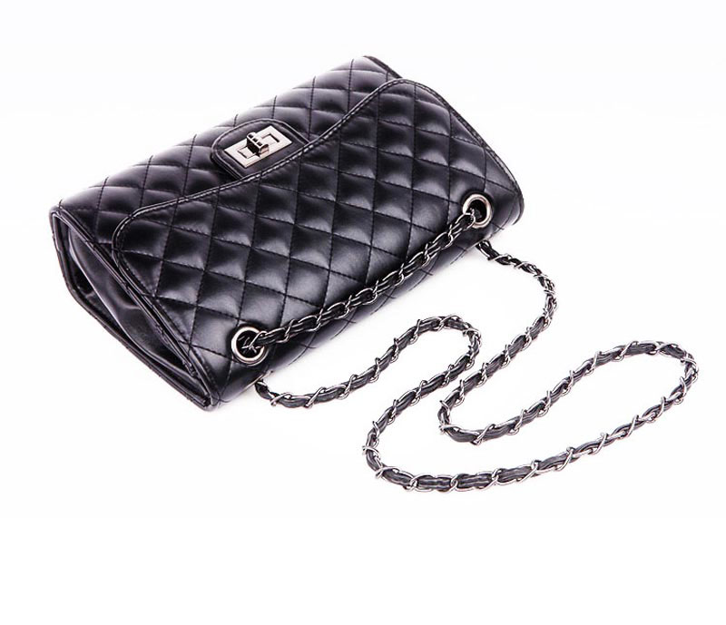 the-symmetrical-leather-crossbody-bag-quilted-Womens-Crossbody-Bags-cute-shoulder-bags-for-girls--- (5)