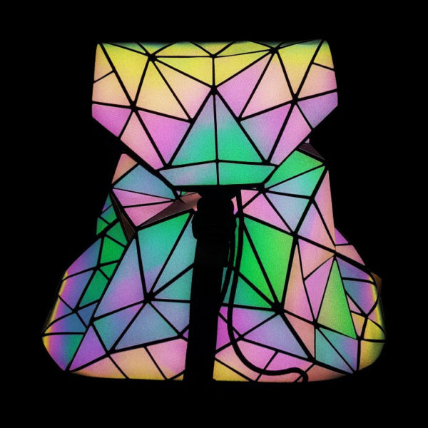 luminous-backpack-diamond-lattice-reflective-geometric-glowing-in-the-night-back-pack-details- (1)