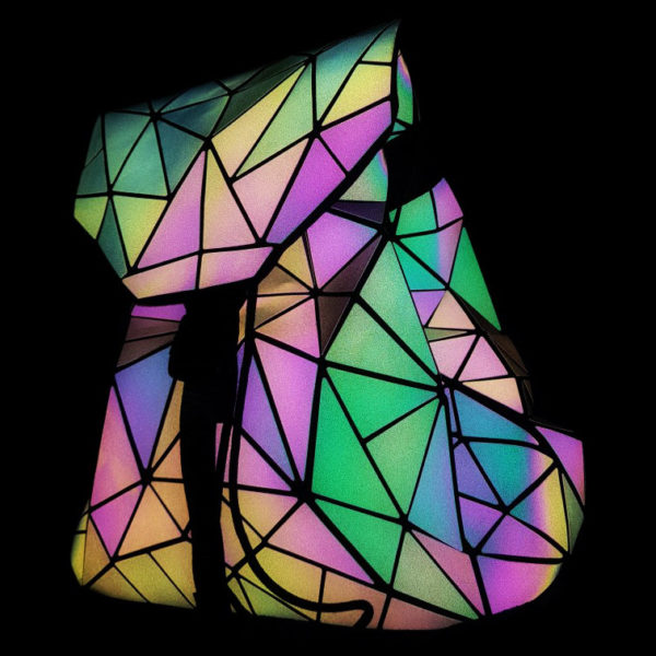 luminous-backpack-diamond-lattice-reflective-geometric-glowing-in-the-night-back-pack-details- (2)