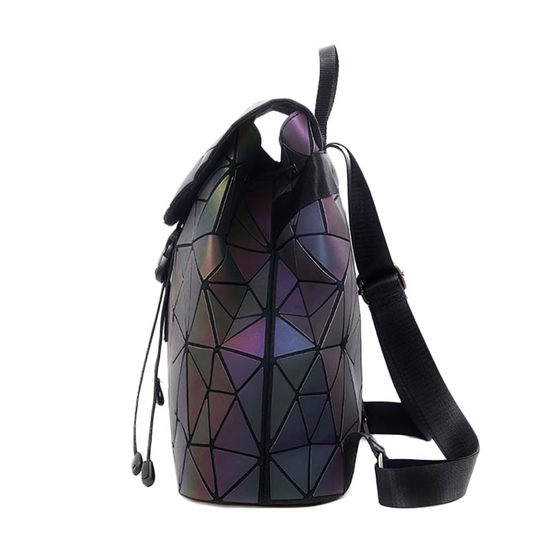 luminous-backpack-diamond-lattice-reflective-holographic-geometric-glowing-back-pack-quilted- (3)