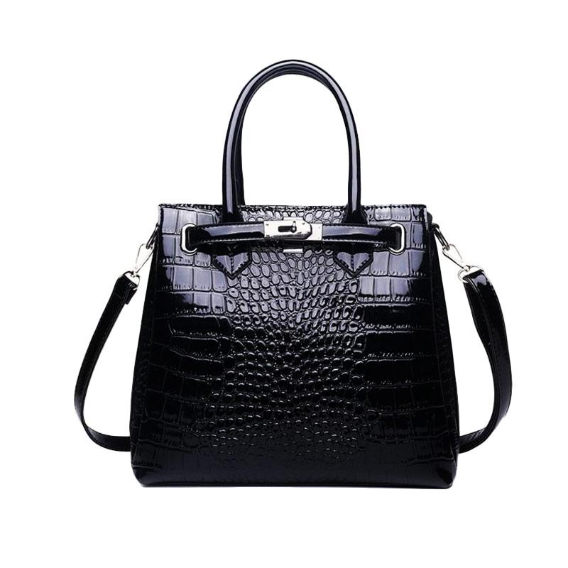 the-alligator-purse-vintage-leather-bag-tote-purse-aligator-handbag-black-color